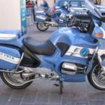 54 полицейских на одном мотоцикле