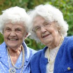 samym-starym-v-mire-bliznecam-100-let